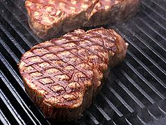パワフルなステーキ