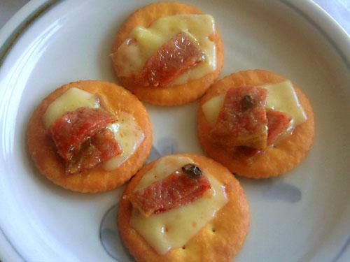 生ハムとチーズの一口クッキー